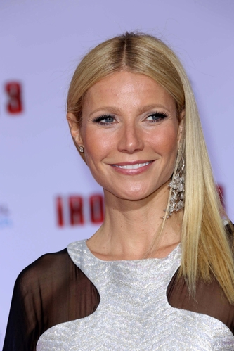 Gwyneth Paltrow pissed of working moms when she said that her movie star life is harder than the typical 9-5 office job. Do you agree?