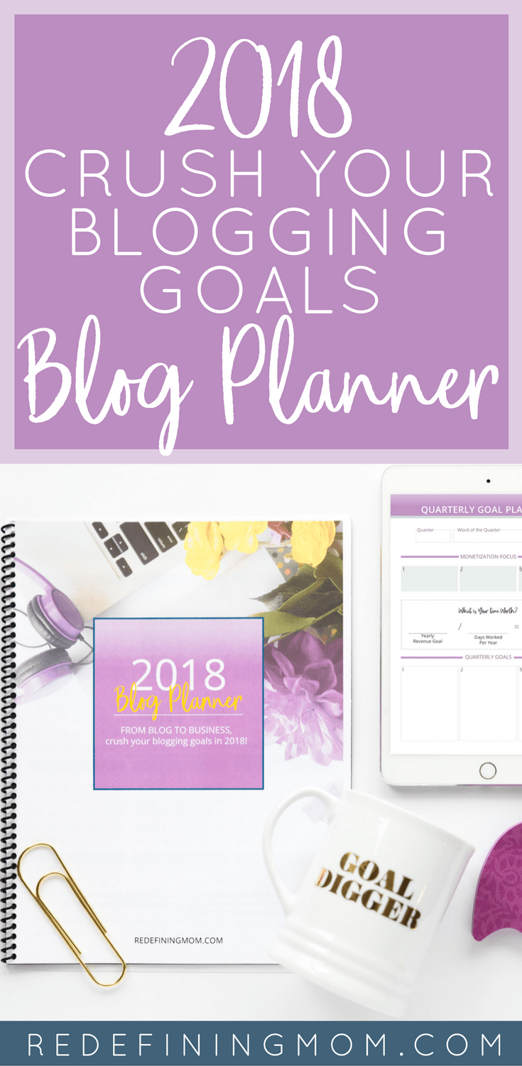 Goal planning tips for bloggers. Set blogging income goals that will help you 3x your income in 2018. Download your copy of the Printable 2018 Blogging Goals Planner! Blog planner / blog goals / blogging binder / bogging planner / printable 2018 blogging planner